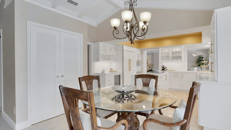 a-gold-star-11-dining-off-kitchen