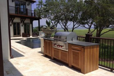 Outdoor cabinets for Kendall, FL home