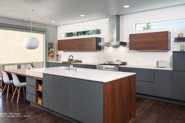 Kitchen design with custom kitchen cabinets in Pinecrest