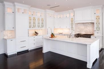 White kitchen cabinet design for Pinecrest home