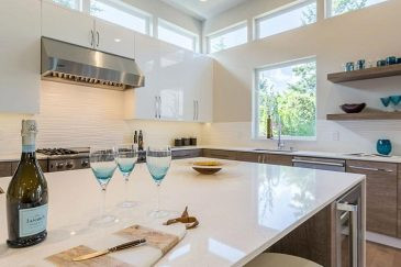Custom kitchen cabinets for Miami kitchen remodeling