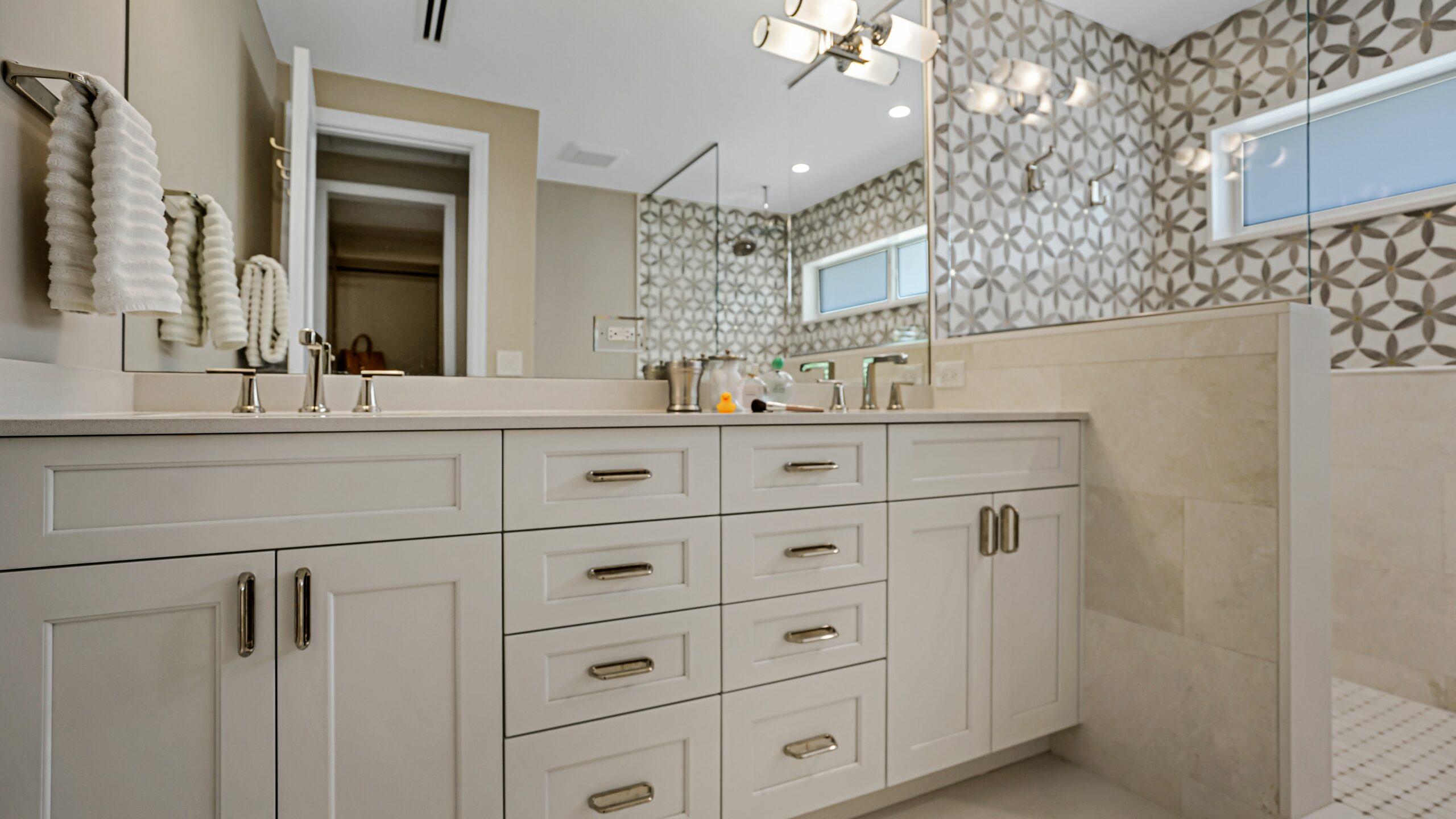 Bathroom Remodeling in Miami, Key Largo, Miami Lakes, South Miami, Miami Beach, and Palmetto Bay