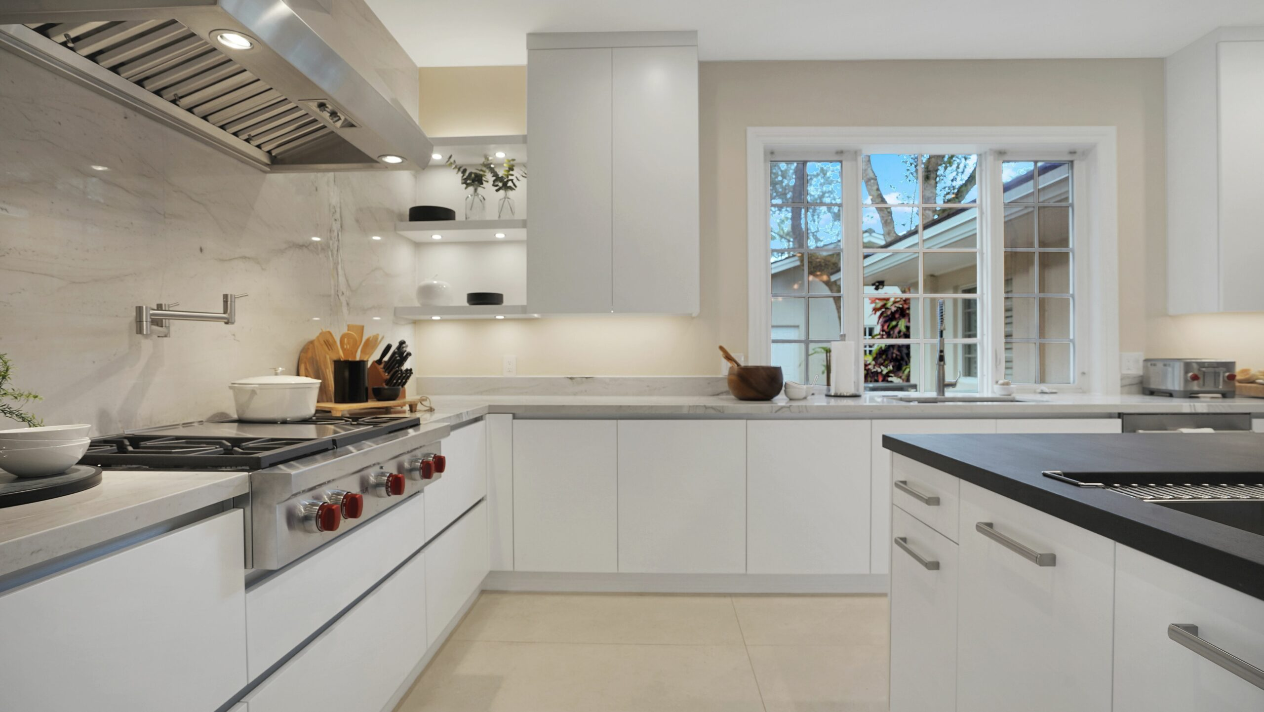 Custom Kitchen Cabinets in Key Largo, Miami Lakes, Miami, Miami Beach, Kendall, and Coral Gables