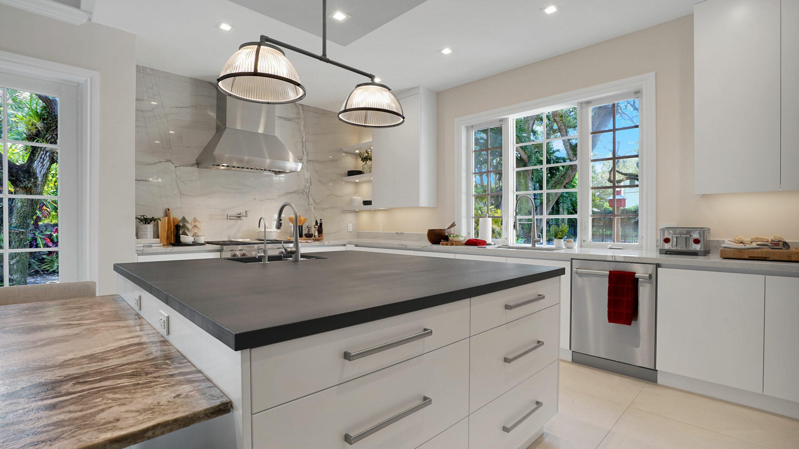 Kitchen Redesign in Miami Beach, Miami Lakes, South Miami, Brickell, Coconut Grove, and Key Biscayne