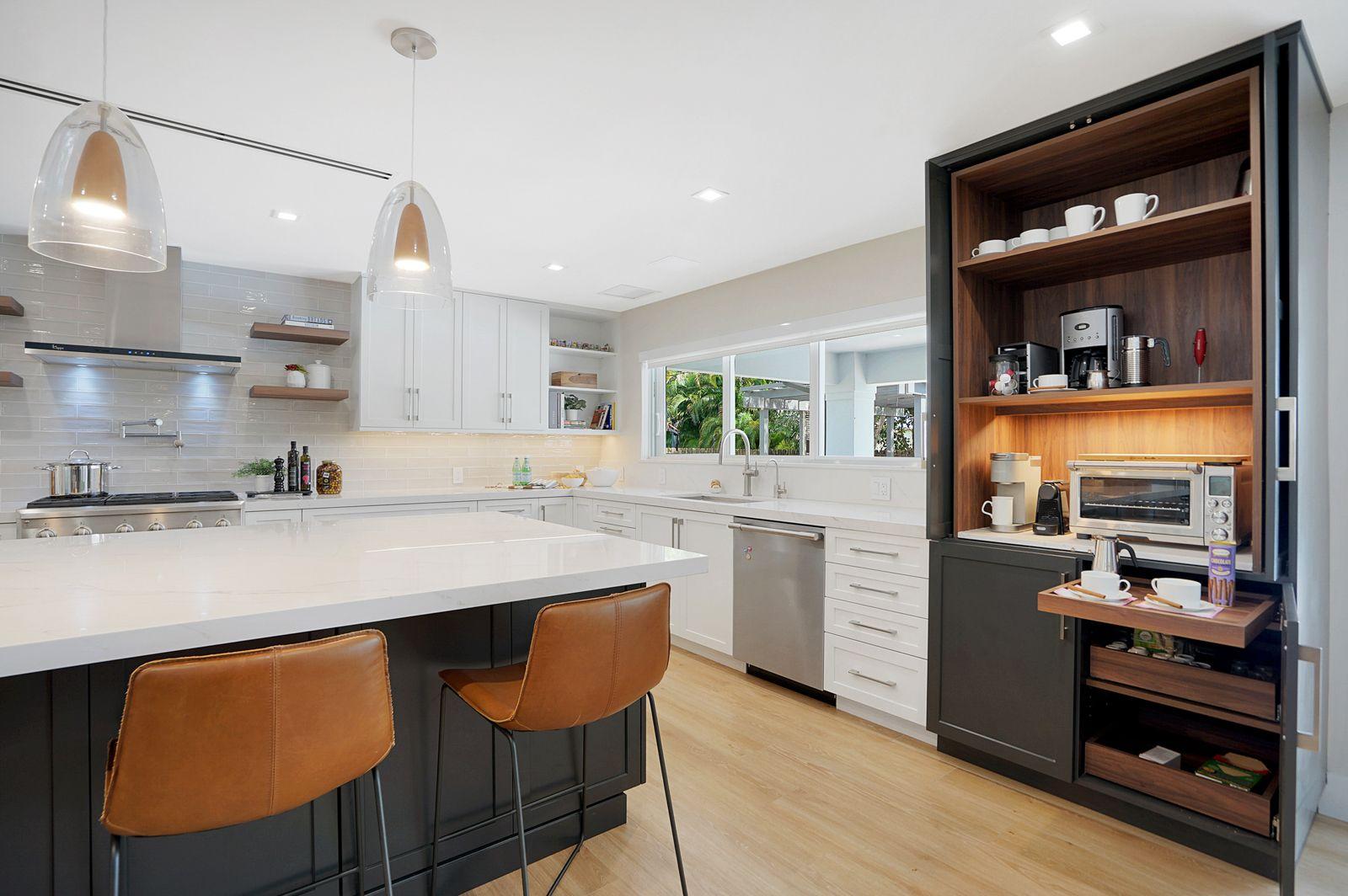 Custom Kitchen Cabinets in Pinecrest, Key Largo, Palmetto Bay, Kendall